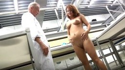 Old worker banging brunette chick